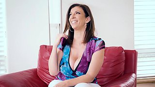 Brazzers - Mommy Got Boobs -  Putting Her Tit