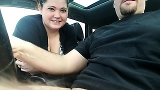 Curvy amateur wife reveals her blowjob abilities in the car