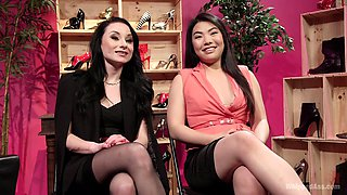 lesbian sex adventure is sometning special for Nari Park and her girl