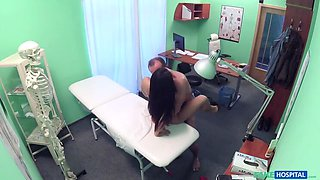 Doctor seduces sexy holiday maker