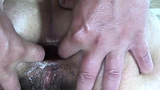 Fucking An Old Mama\'s Gaping Anal In The Jacuzzi