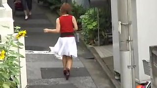 Japanese girl with no panties in a wild sharking video