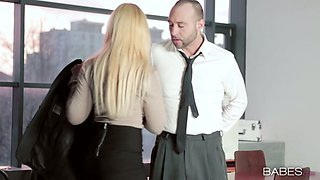 Sexy blond bombshell in glasses sucks tasty penis of kinky chief in the office