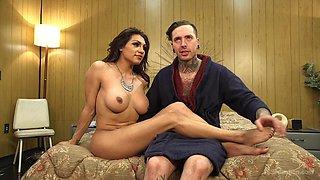Ladyboy Jessy Dubai adores to fuck with her handsome boyfriend