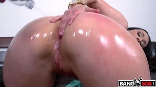 Sexy European Milf Gets Titty Fucked And Anal Pounded