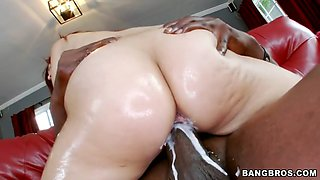 20 years old babe leah cortez riding black monster cock