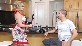 Alexis Texas fucked on the kitchen counter by Xander