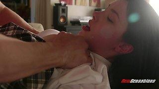 Lusty dark haired college girl Jasmine Callipygian seduces dude to work on cock