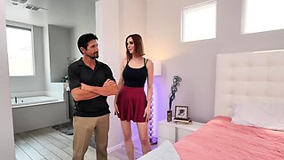 Naughty America - Lilian Stone fucks client's husband