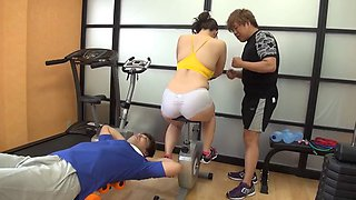 Curvy big boobs Japanese girl fucking after a workout
