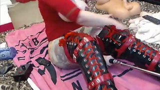 Camgirl gets destroyed by machine so awesome