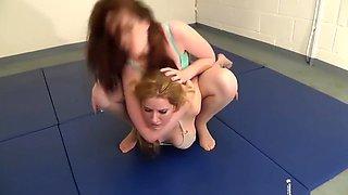 Zoe vs velvs wrestling female fight