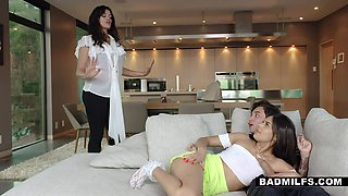 Hot mature step aunt Becky Bandini teaches how to give a good blowjob