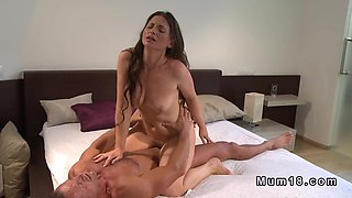 Husband bangs wife and cums twice in a row