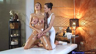In-n-Out Massage with Slippery-Oily EuroHottie