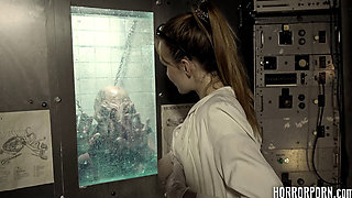 HORRORPORN The beautiful scientist fucked by a monster