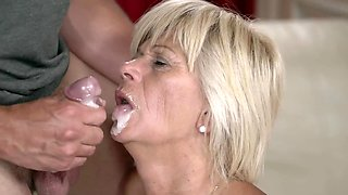 Old whore gets cum on her lips after sex with young boy