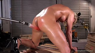 Oiled milf ariel x gives hardcore squirting show with fucking machine