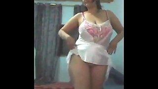 Arab chubby jasmin dances for cam