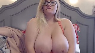Amazing big boobs blonde play with herself