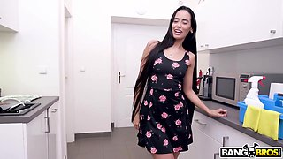 Insolent Boss Exploits His Submissive Young Maid Andreina Deluxe