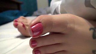Goddess Jordyn Sleepy Feet Close Up