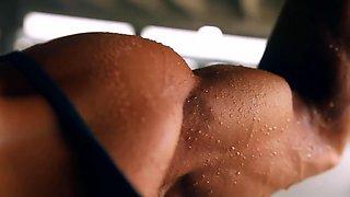 Muscular Readhead Babe